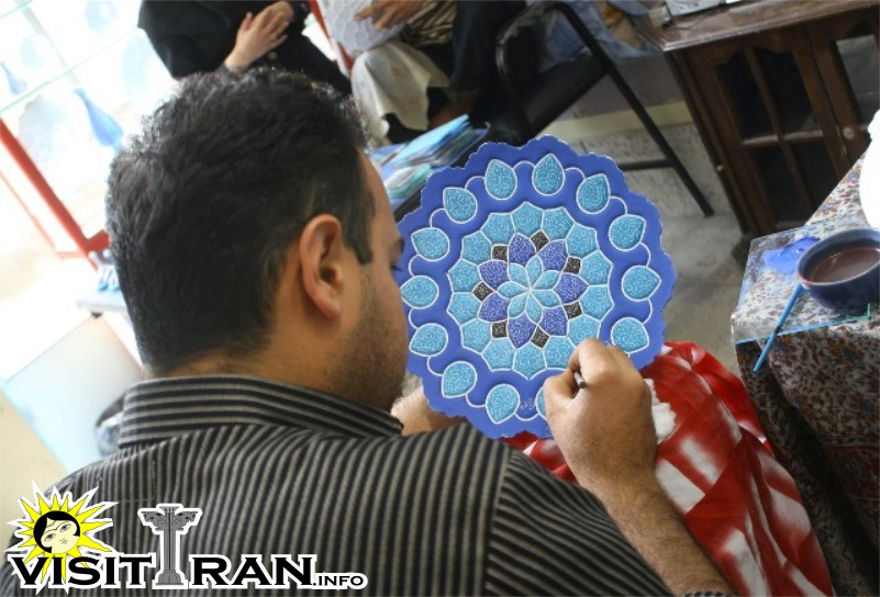 Watch the artists do their magic in Isfahan Bazaar